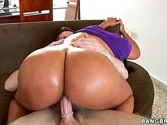 Vídeos Pornográficos HD de A-Hole Yum