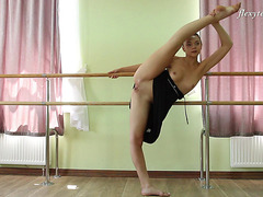 Amazingly Supple Ballerina Shows Off Her Moves In The Exposed