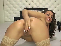 Cam sweetheart Lorrette anal fisting