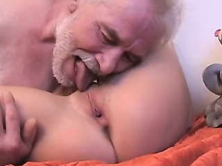 Sex Movie of Old Man Fuck Young Teen On Bed