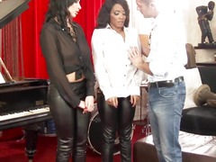 Kiki Minaj and Anissa Kate jizzed after threesome