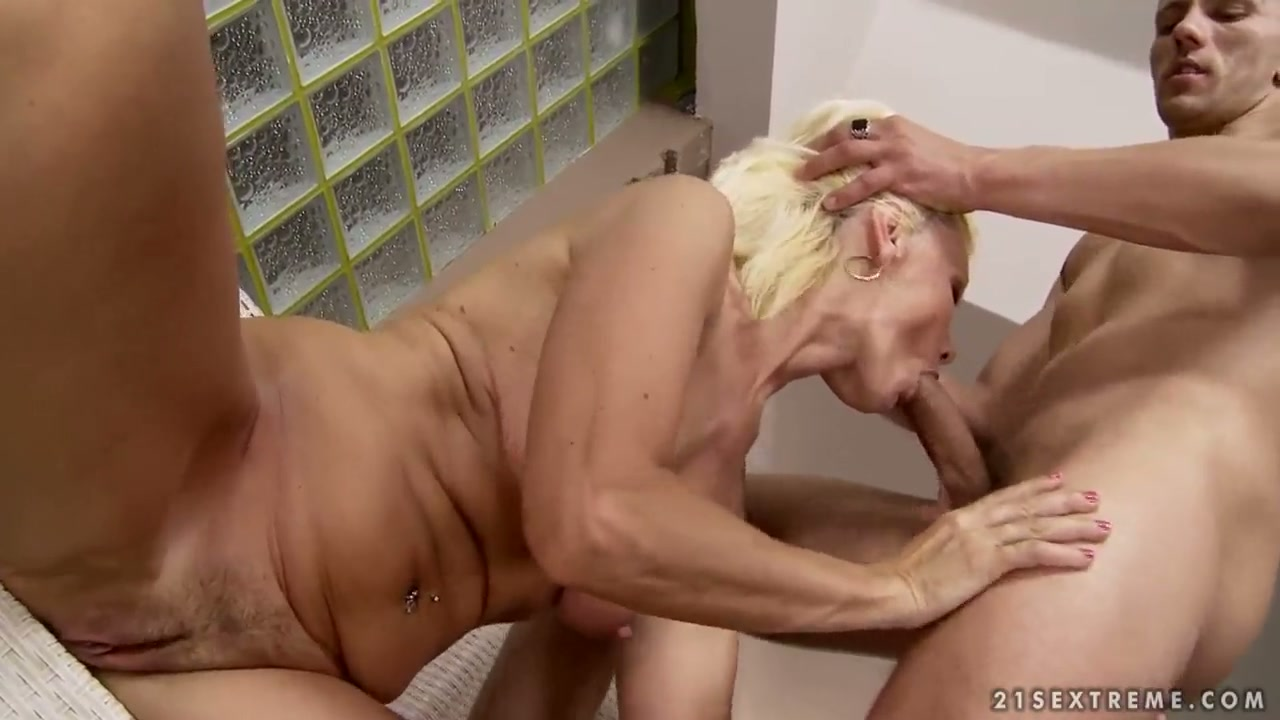 BLOND KATE BLOND GIVES GIVING BLOWJOB FUN TO HER EXCITED GANGBANG BUDDY sex  clip, watch online for free