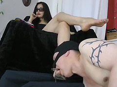 Female-Dom leyla feet worship fearsome(Low)