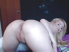 GOLDEN-HAIRED BEAUTY IN ANAL SHOW