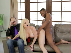 Darksome stud bangs a golden-haired doxy in front of her boyfriend