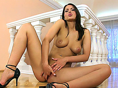 Tanned sweetheart Marketa plays with her bald puss