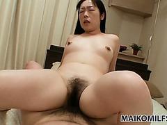 Mega bushy mother i'd like to fuck floozy Fumiko Manaka rides schlong and copulates doggy style