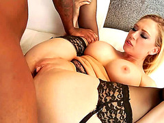 Vídeos Pornográficos HD de Kagney receives anal throttling from BBC