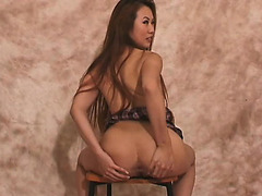 Sinnye Lang discloses her superb butt and her pleasant holes for the camera