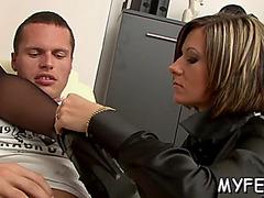 Worshiping her moist slit