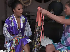 Asa akira goes lesbo &fearsome gives playgirl nuru massage with love tunnel licking