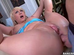 Kagney linn karter takes unfathomable anal pounding