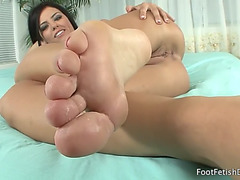 Erotic feet fearsome-menacing adriana chechik living pics