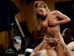 Breasty english lady sits on his face and jumps on the beefy knob