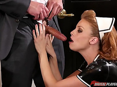 Maid britney amber serves the favourable prick with her face hole