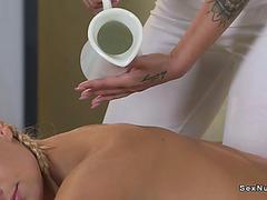 Lesbo euro relaxing massage in oil