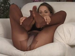 Porn Tube of Pantyhose Playtime.the Sybian 529