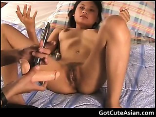 Porno Video of Thai Babe Playing With Her Pussy
