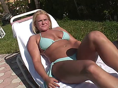 Breasty blonde's drilled stupid after taking off her bikini