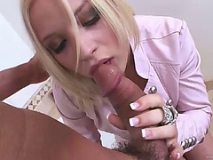A creamy facial for a hawt blond after coarse sex