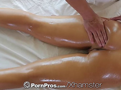 Pornpros massage fuck by therapist with layla london