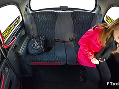 Euro non-professional bangs large rod in fake taxi