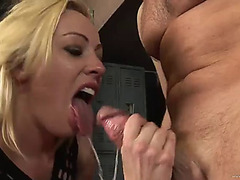 Wicked blond babe taking a penis unfathomable in her face hole in the locker room
