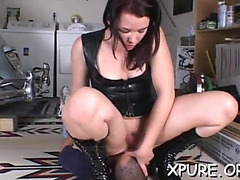 Sexy chick smothers a stud