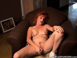Sex Movie of Mature Amateur Redhead Squirts