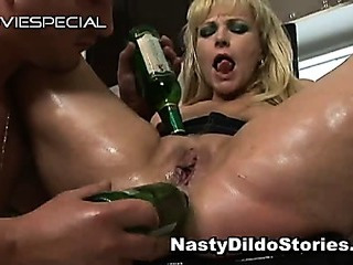 Porno Video of Mature Milf Gets Asshole Fucked