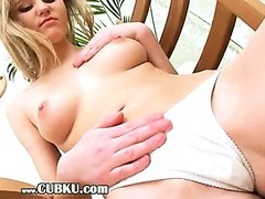 sexy blonde undress her vagina
