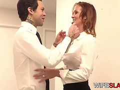 Immodest cheating latin chick doxy widens muff for employee