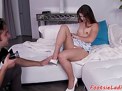 Bewitching smalltits hottie receives footworshiped