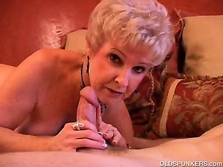 Porno Video of Gorgeous Cougar Sucks Cock And Eats Cum