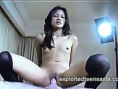 Veronica Filipino Escort Makes Some Extra Cash Desk Fucking