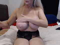 Fantastic granny tammy with bouncing marangos and superlatively good arse