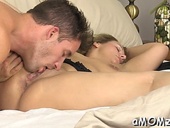 Hawt mama is fingered and drilled