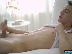 Large cock twink tugjob with spunk flow