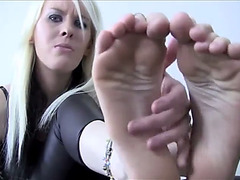 Foot fetish bitch goddess