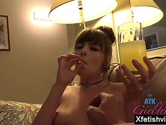 Hawt girlfriend footjob and creampie