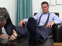 Muscle homosexual foot with spunk fountain