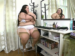 Ssbbw jitka play with herself