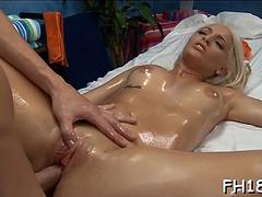 Gal screwed after massage