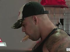 Muscle bear anal with anal spunk fountain