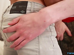 Muscle twinks flip flop and cum in wazoo