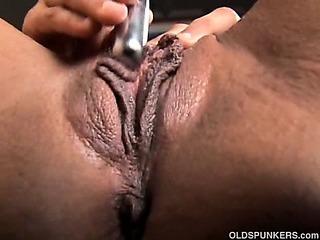 Porno Video of Sexy Mature Black Amateur Has Great Big Tits