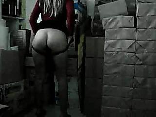 Porno Video of Crazy Hot Blonde Masturbates At The Office