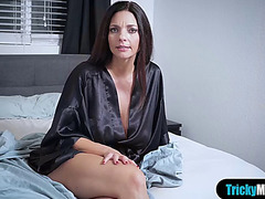 Breasty mother i'd like to fuck stepmom orders stepdaughter to take up with the tongue her arse