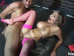Breasty hotty satisfies his large penis