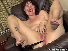 American mother i'd like to fuck zoe stuffs her cum-hole with nylons